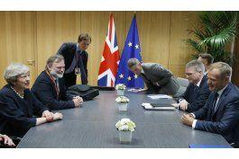 brexit: may les ofrece esperanza a ciudadanos europeos
