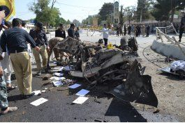 potente coche bomba mata a al menos 11 en sur de pakistan