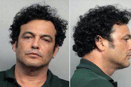 cubano pasa de exitoso modelo en italia, a acusado de falso policia en hialeah