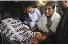 suben a 73 los fallecidos en ataques en pakistan