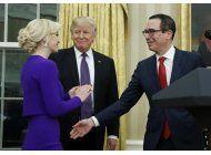 trump, pence asisten a boda de secretario del tesoro