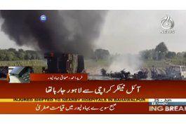 se incendia camion en pakistan, causando 153 muertos