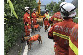 recuperan 10 cadaveres de alud en china; 93 desaparecidos