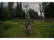 cabina de teleferico cae en india; siete personas muertas