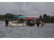 colombia: 6 muertos y 31 desaparecidos en naufragio