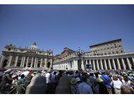 vaticano preocupado por suerte de obispo en china