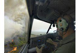 espana controla el incendio que amenaza a un parque natural