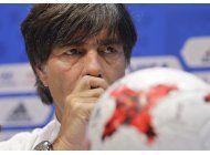 loew pide transparencia en acusaciones de dopaje en futbol