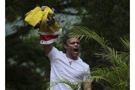 leopoldo lopez abandono la embajada de espana en caracas