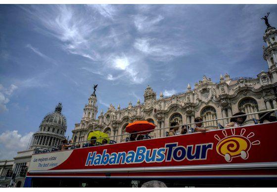 Cuba a la caza de turistas chinos y rusos en medio de una caída del turismo este año