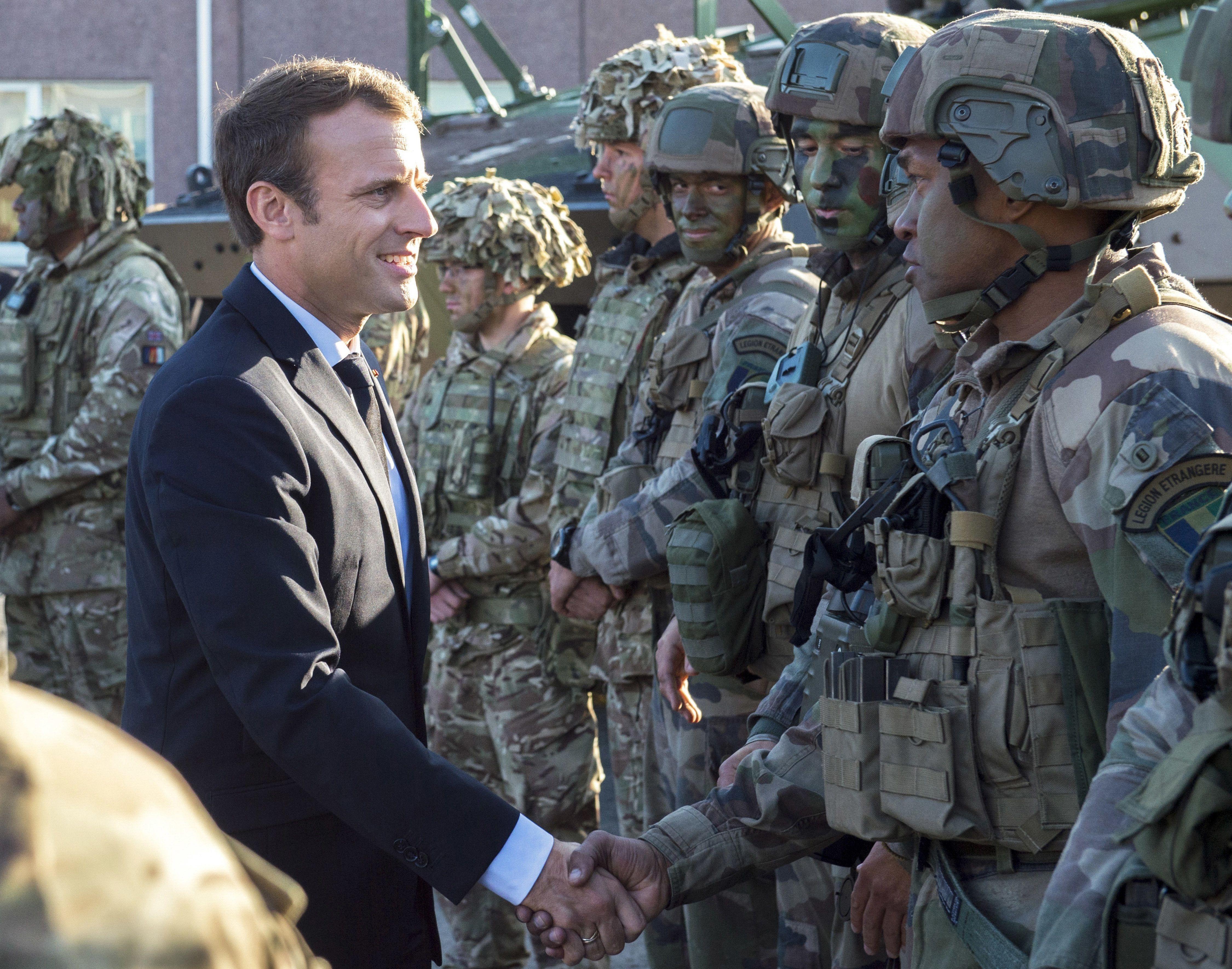 Hermosa Oficial Militar Se Reanuda Regalo - Colección De Plantillas ...