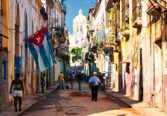 Ante la severa crisis de la vivienda en La Habana, el régimen parece apostar a la peor salida