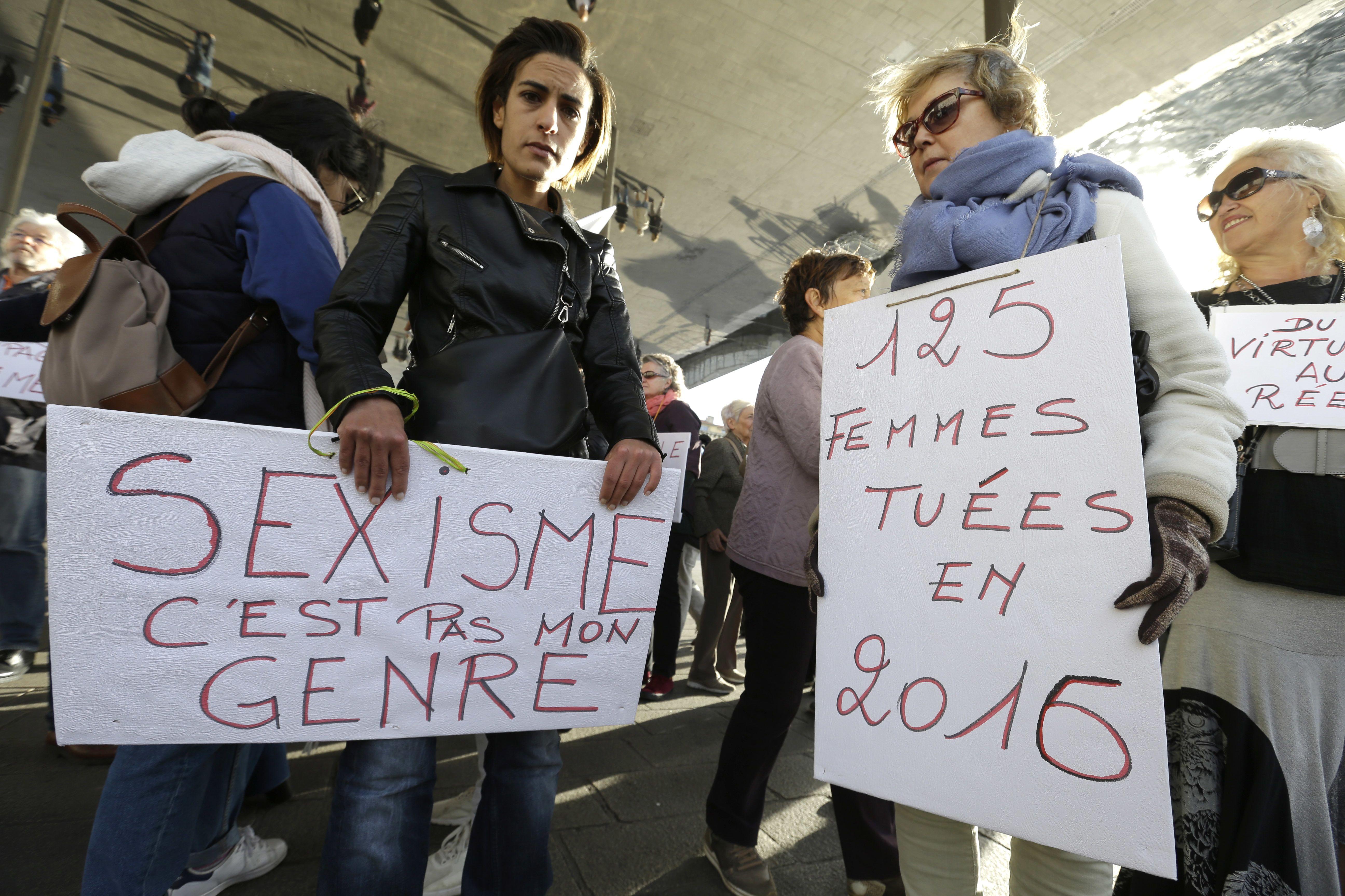 Contra Sexismo Lanza En Francia Campaña Anuncios bIyvYf76g