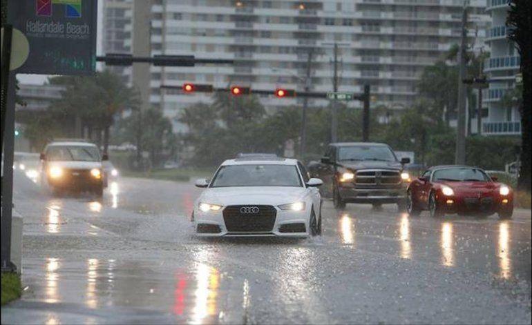 Pronostican Vientos Huracanados En Miami Fr 237 O Lluvias