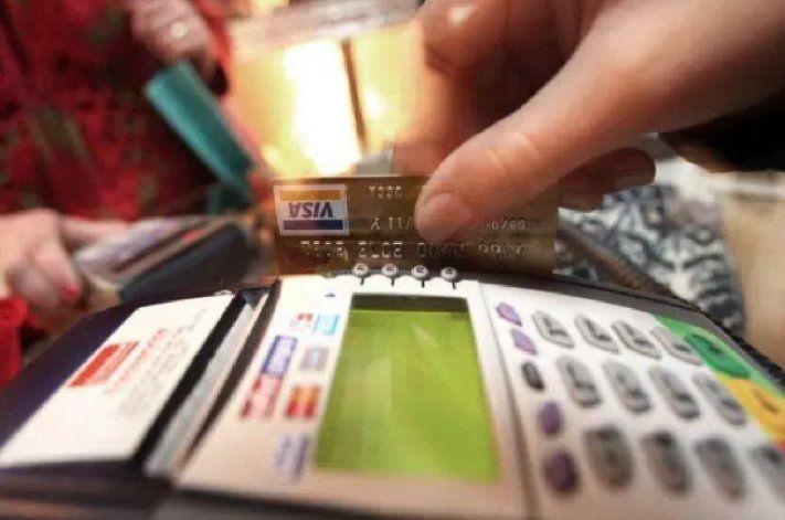 Condenan a 13 cubanos por fraude y uso ilegal de tarjetas de crédito