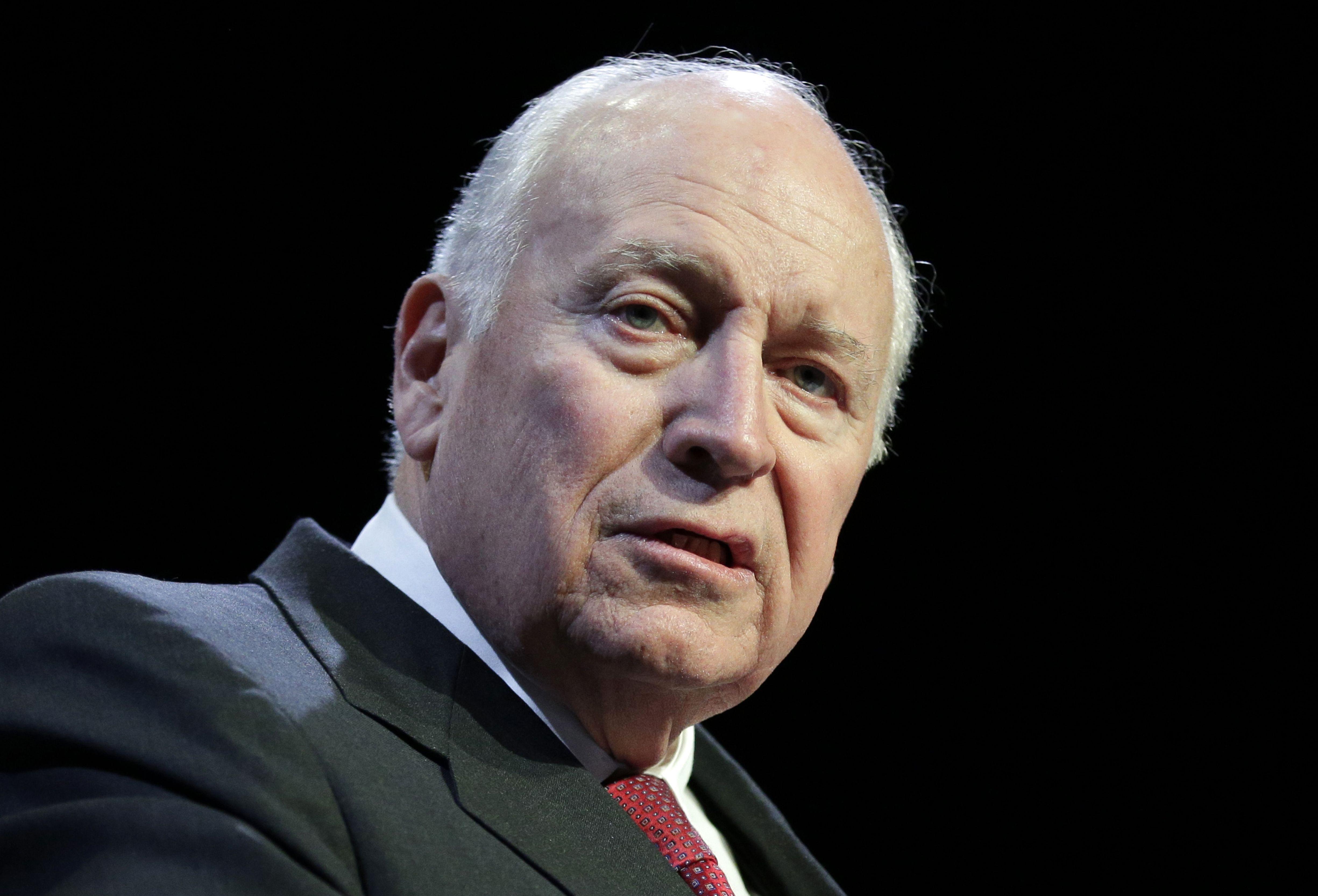 Cheney: EEUU debería reanudar interrogatorios severos