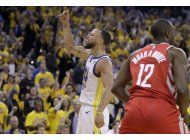 curry anota 35 y warriors aplastan a rockets por 41 puntos
