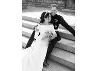 palacio comparte fotos familiares de la boda real