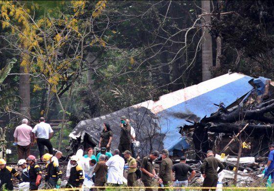 Empresa dueña de avión que se cayó en Cuba culpa a los pilotos del desastre