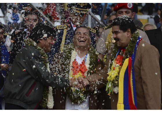 Venezuela avala respaldo a Correa; más tensión con Ecuador
