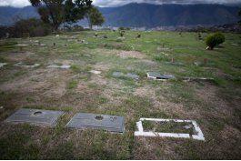 Venezuela: se multiplica el hurto de placas en cementerios