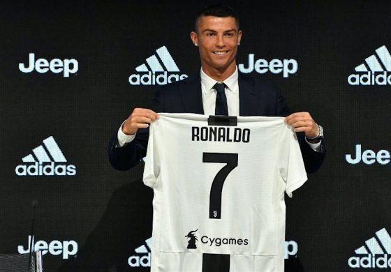 Locura total en Turín: así fue el primer día de Cristiano Ronaldo en su nuevo club