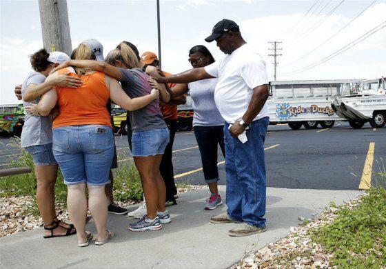 Tragedia en Missouri al hundirse un barco con turistas