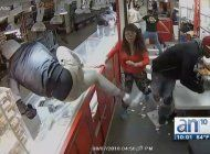 varios ladrones asaltaron una joyeria en el pulguero de opa-locka