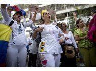 enfermeras y medicos piden mejoras desde calles venezolanas