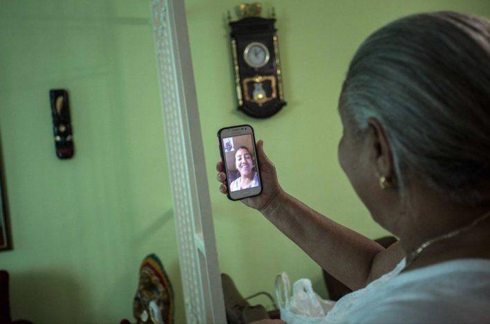 Prensa oficial pide a cubanos gastar menos en Internet y más en alimentos