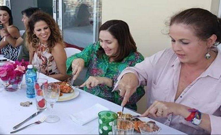 Así de cara le ha salido a Pastora Soler su comida con Mariela Castro en La Habana
