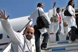 ecuador pone fin a convenio para recibir medicos cubanos