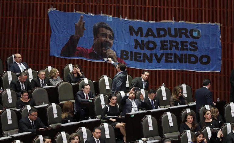 Los diputados mexicanos le gritaron dictador Maduro en la toma de posesión deManuel López Obrador