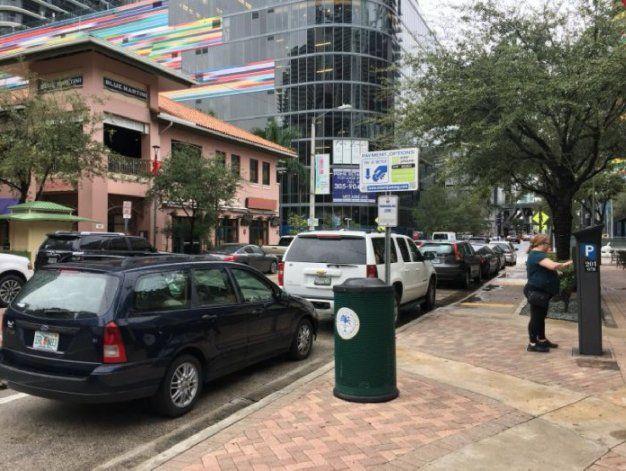 Multas mucho mas costosas a choferes que cometan infracciones de estacionamiento en Miami y Miami Beach