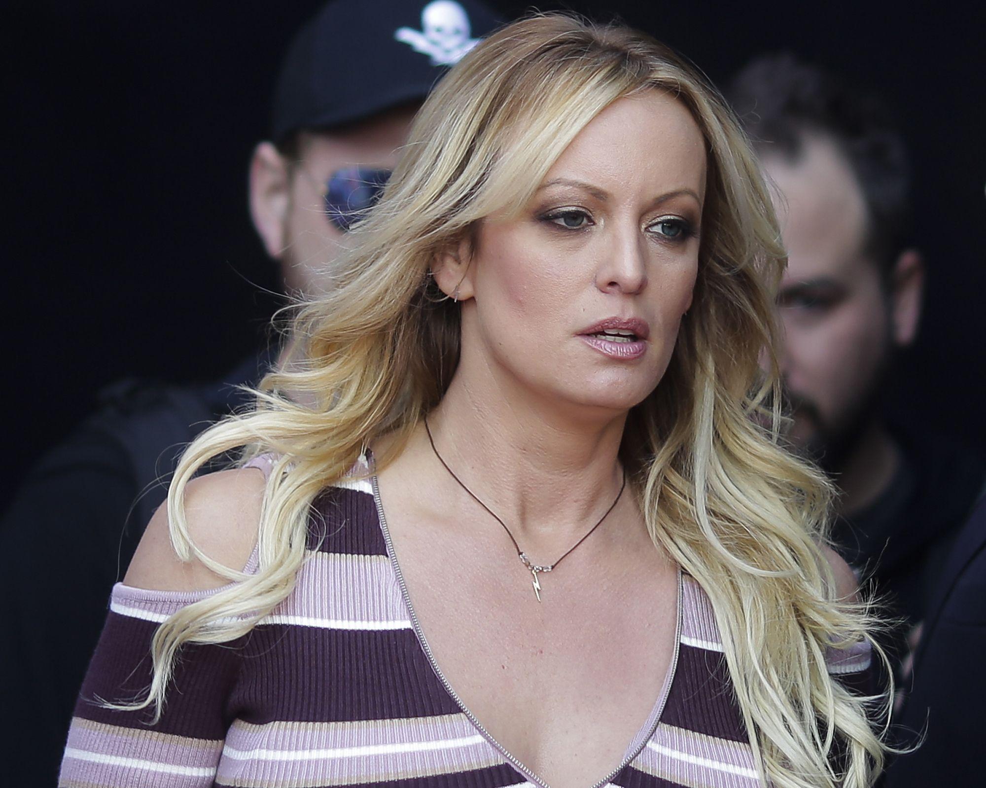 Actrices Porno 20 Años Aproximadamente juez ordena que actriz porno pague costos legales de trump