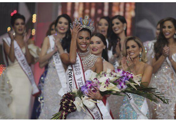 Una morena de 25 años es coronada Miss Venezuela