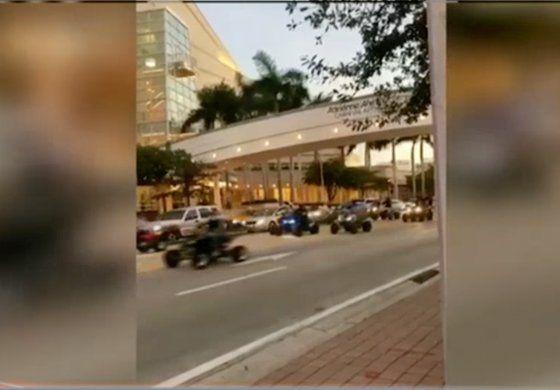 Motos todoterrenoinundan las calles de Miami