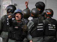 sebin interroga a un septimo vigilante de la embajada espanola
