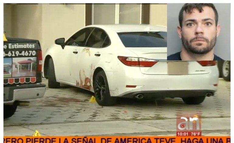 Asesinan a puñaladas a un joven en el exterior de una casa en Hialeah Gardens