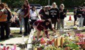 Recuerdan a víctimas a un año de tragedia en escuela de Parkland