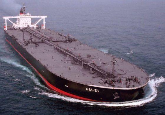 Régimen cubano tuvo que comprar un barco para no perder petróleo