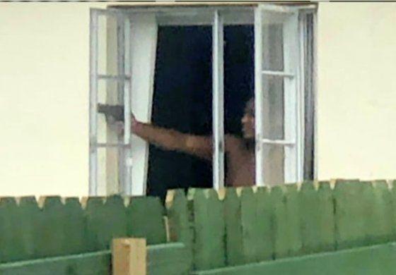 Pánico en vecindario de Hialeah después de que supuestamente un vecino comenzara a disparar contra las casas