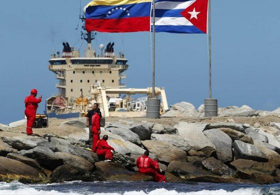 Cese de envíos de petróleo desde Venezuela obligaría a Cuba a gastar 2 000 millones de dólares