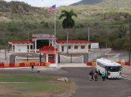 ocho jovenes cienfuegueros, procesados por acercarse a la base naval de guantanamo