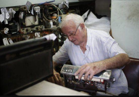 Régimen cubano valora aumentar la edad de jubilación en la Isla