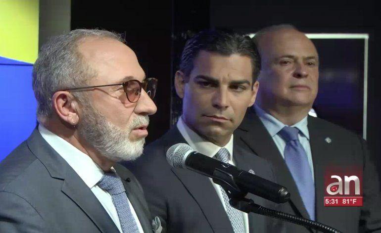 Alcaldes de Miami y Doral junto a Emilio Estefan en apoyo a Venezuela