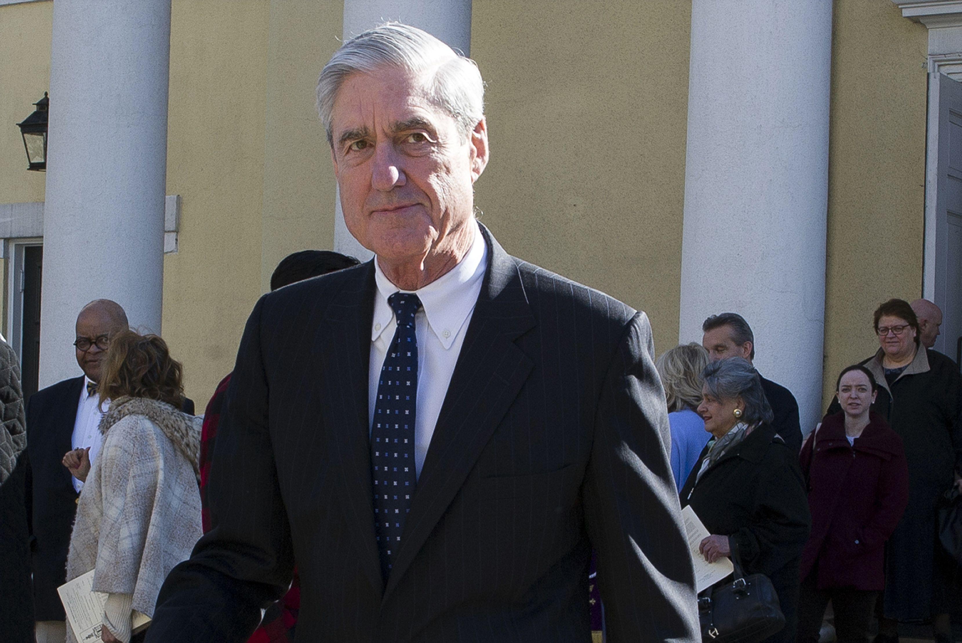 Trump dice que Mueller no debería testificar ante Congreso
