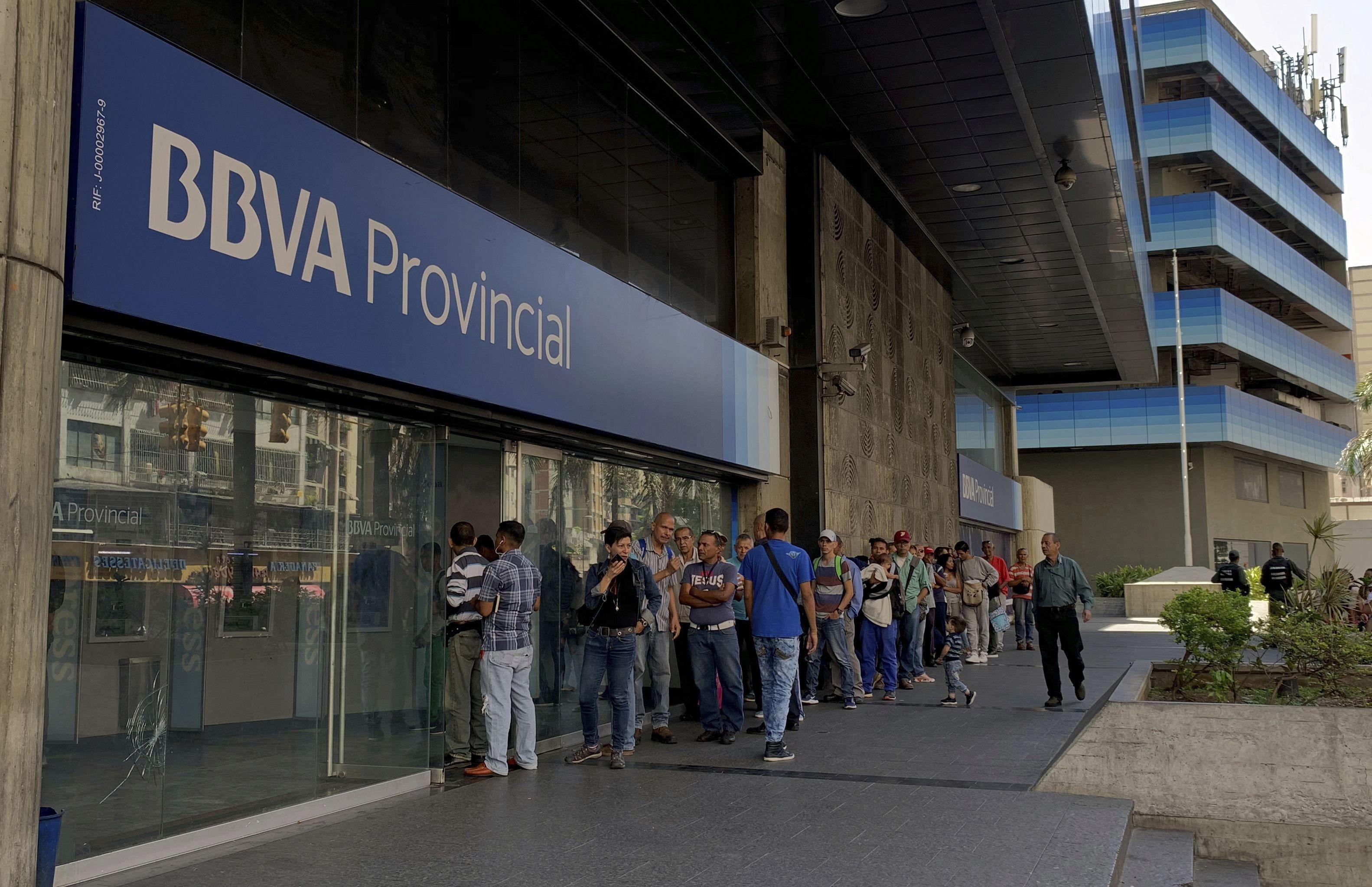 Liberación de mercado cambiario venezolano inicia con apatía