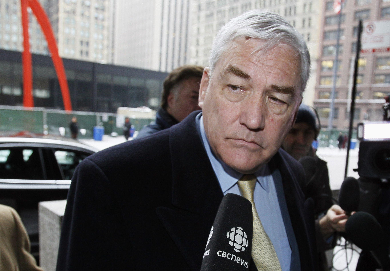 Autor de biografía lisonjera de Trump recibe indulto