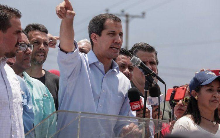 Venezuela: Guaidó llama a protestas en visita de Bachelet